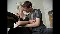 Смотреть как русская мама дает в анал собственному сыну